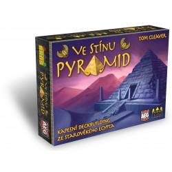 Ve stínu pyramid